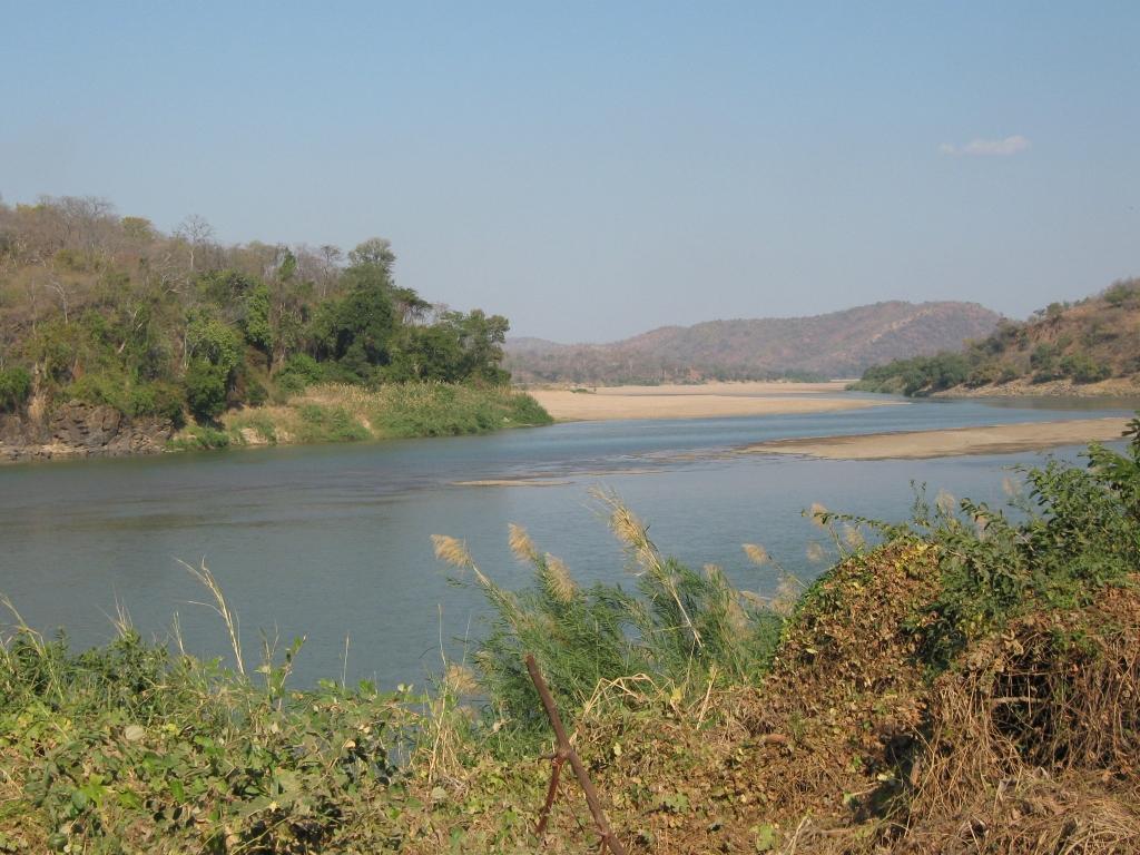 Luangwa River, by M Noffke.